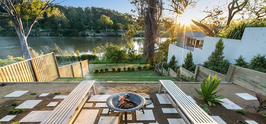 Hamptons luxury in Fig Tree Pocket